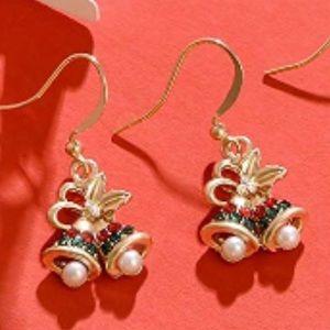 Super cuter bells holiday earrings